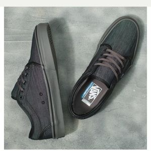 VANS dark canvas men's size 8 shoes